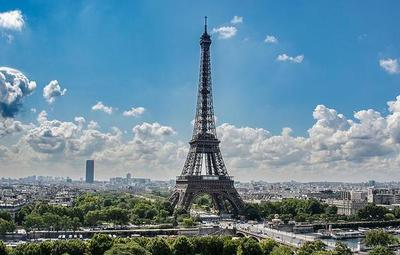 ¡La torre Eiffel volvió a recibir a turistas!