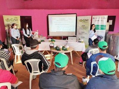 Labriegos se capacitan en educación financiera para el impulso de la agricultura familiar