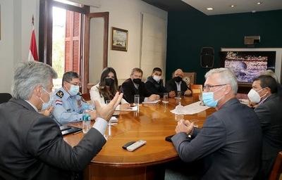 Ministro Giuzzio se reunió con autoridades de Boquerón