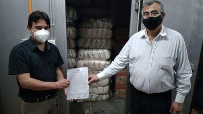 Administrador de Aduana Lic. Martin Benítez dona al Hospital Regional fardos de azúcar, aceite y sal