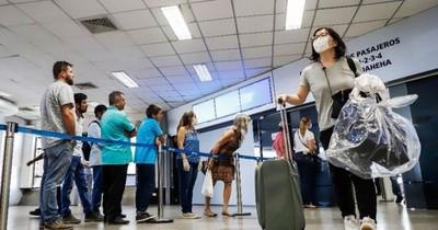 La Nación / Exigirán 5 días de cuarentena más PCR negativa a toda persona que llegue del extranjero