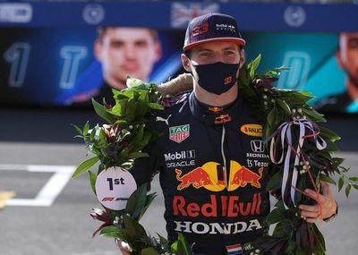 Verstappen ganó la primera sprint y conquistó la pole en Silverstone