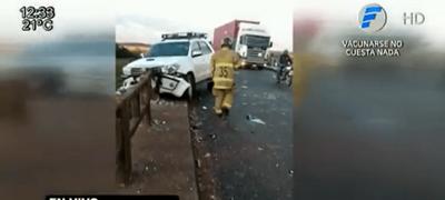 Puente en mal provoca accidente sobre el Río Tebicuarymi