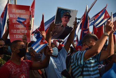 Gobierno cubano convoca a miles de personas para sacar músculo ante protestas