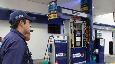 Precio del combustible se mantendría hasta diciembre, estiman desde Petropar