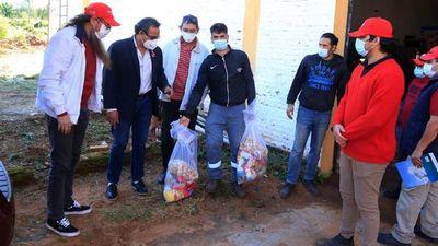 Denuncian que Hugo Javier politizó hasta la entrega de víveres
