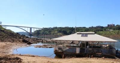 La Nación / La peor sequía del Paraná afecta la vida y la economía nacional