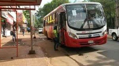 Transportistas levantan paro, tras lograr suba de pasaje en CDE
