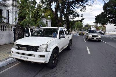 Alevoso golpe ante inacción policial, criminales atacan en plena Mariscal López