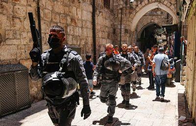 Vuelve tensión entre palestinos y Policía israelí en Al Aqsa por fiesta judía
