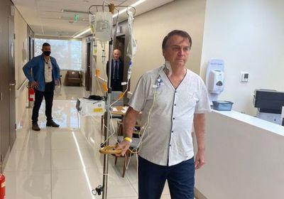 Bolsonaro recibe alta médica después de estar cuatro días internado