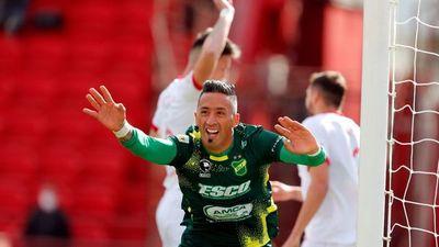 Lucas Barrios marca un gol con viento a favor