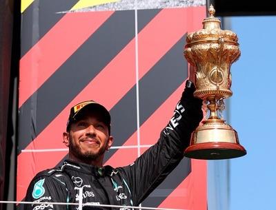 Lewis Hamilton (Mercedes) gana el gran premio en Gran Bretaña