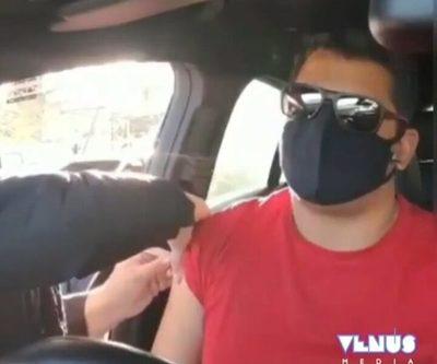 VIDEO: Hombre denuncia en twitter irregularidad en la vacunación