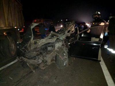 Comisario retirado y su hija mueren en choque contra Scania