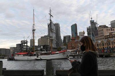 Australia deportará a comentarista británica por burlarse de la cuarentena