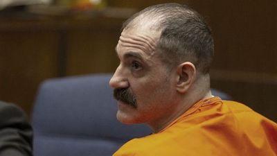 """""""El destripador de Hollywood"""" que asesinó de 47 puñaladas a la ex novia de Ashton Kutcher fue condenado a pena de muerte"""