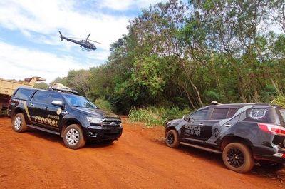Destruyen puertos clandestinos instalados a orillas del lago Itaipu, en territorio brasilero