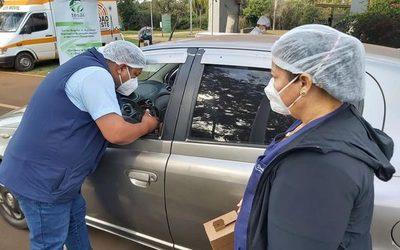 Rezagados de 35 años en adelante y trabajadores esenciales concurren hoy a vacunatorios