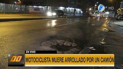 Tragedia a causa de un bache en Fernando de la Mora