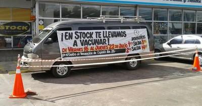 La Nación / BusVac: cadena de supermercados ofrece traslado de personas para vacunarse contra el COVID-19