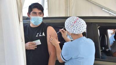 Borba prevé ubicar al país entre los más vacunados en setiembre contra el Covid-19