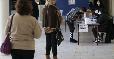 La Nación / Elecciones en Chile: candidatos de nueva generación y centristas ganan primarias presidenciales