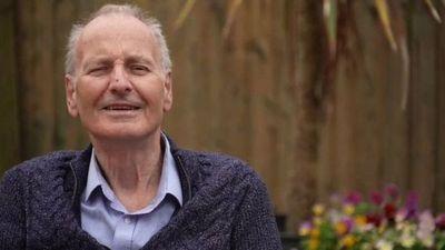Reino Unido: el caso de un hombre de 72 años que dio 43 veces positivo por covid-19