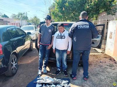 Asaltantes caen con armas tras persecución en Luque •