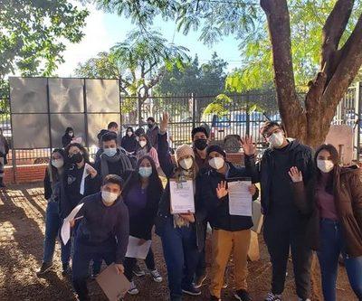Estudiantes de Salud recibieron vacuna anticovid