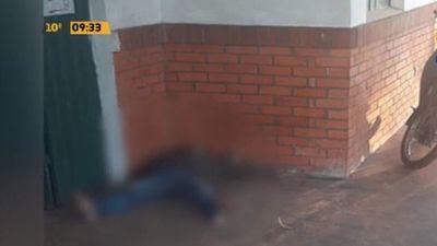 Murió de hipotermia acostado en el piso de vacunatorio