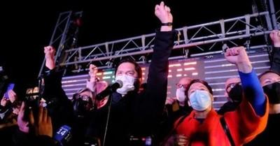 Gabrierl Boric, el ex dirigente estudiantil que se impuso en las primarias presidenciales en Chile