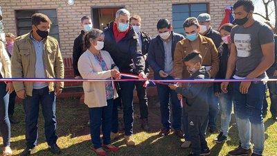 Presidente entregó 175 viviendas sociales en Edelira y Tomás Romero Pereira