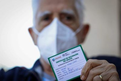 OPS insta a mayores de 60 años a vacunarse contra el COVID-19