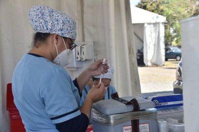 Personas con 20 años cumplidos podrán inmunizarse desde el miércoles