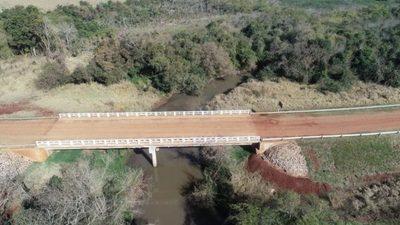 MOPC fortalece conexión entre localidades de Itapúa con 10 puentes