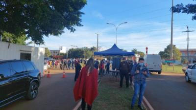 Tensa jornada en vacunatorios por alta demanda en Alto Paraná