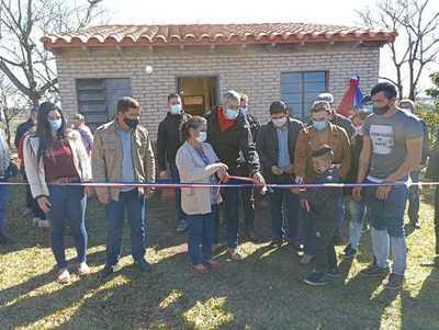 Unas 175 familias de Itapúa recibieron las llaves de sus nuevas viviendas a través del MUVH