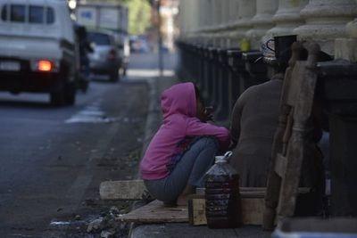 Lamentan exposición de niños indígenas al frío, pero no hay castigo a padres
