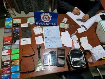 Detienen a tres brasileños sospechosos de clonación de tarjetas de crédito
