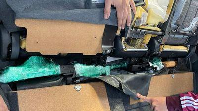 Encuentran armas de guerra en un chileré importado