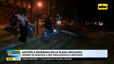 Asisten a indígenas que se encuentran en la Plaza Uruguaya