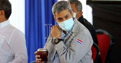 """La Nación / """"Voy a ser el último en vacunarme"""", dice Mario Abdo"""