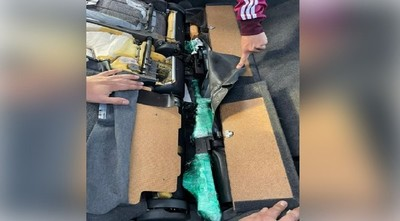 Encuentran armas de fuego dentro de vehículo recién importado en un puerto de Roque Alonso