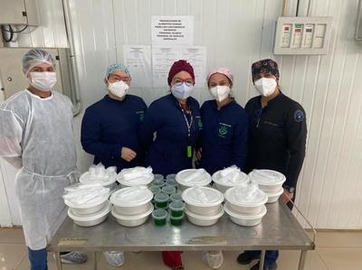 Cerca de 34.000 platos de alimentos fueron distribuidos a personal de blanco y pacientes con covid-19