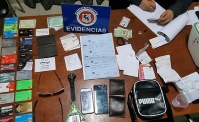 Presuntos clonadores brasileños detenidos con 24 tarjetas en su poder