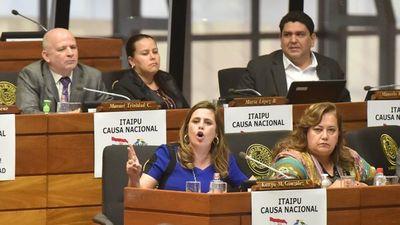 """Diputada advierte que Fiscalía debe investigar deuda """"ilegal"""" de Itaipú"""
