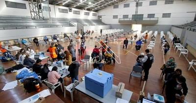La Nación / Paraguay llega a casi un millón y medio de vacunados en medio de incertidumbre sobre llegada de más dosis