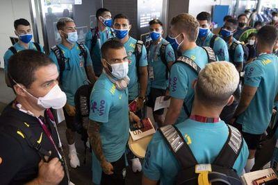 Dani Alves lidera la defensa del oro de Brasil