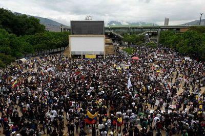 Masivas movilizaciones y paro nacional en Colombia